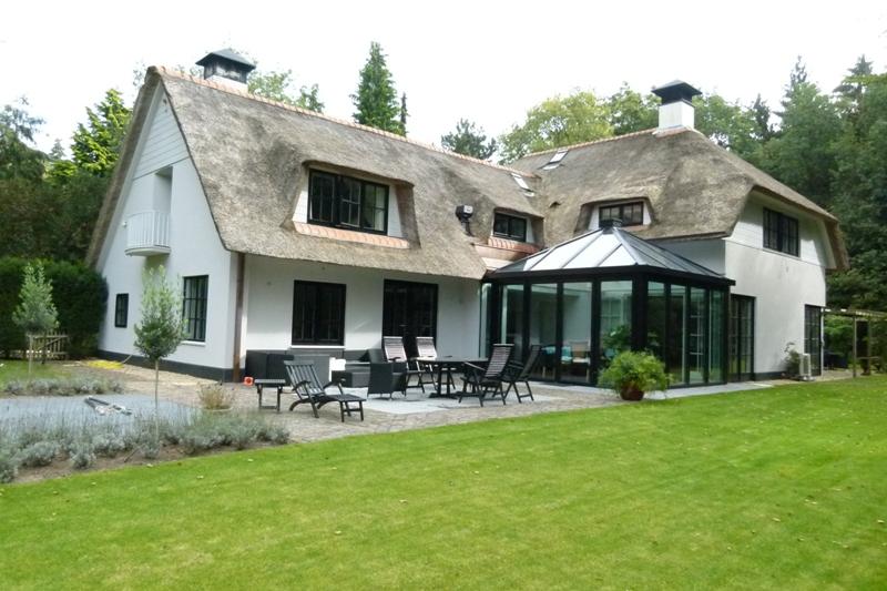 Villa in Huizen